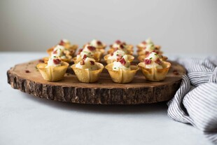 Wonton Cups with Mashed Potatoes, Bacon and Chives
