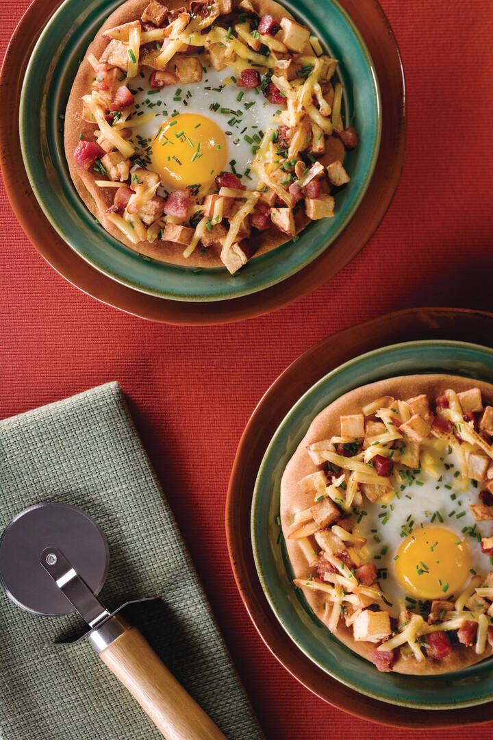 Idaho® Potato Breakfast Pizza with Bacon, Rosemary and Smoked Gouda