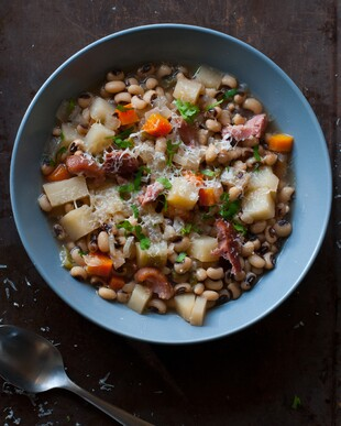 Ham, Black Eyed Pea, and Idaho® Potato Slow Cooker Soup