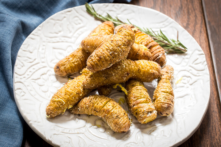 Air Fryer Lemon Parmesan Idaho® Potato Hasselback Fingerling
