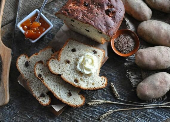 Potato-Raisin Bread with Caraway