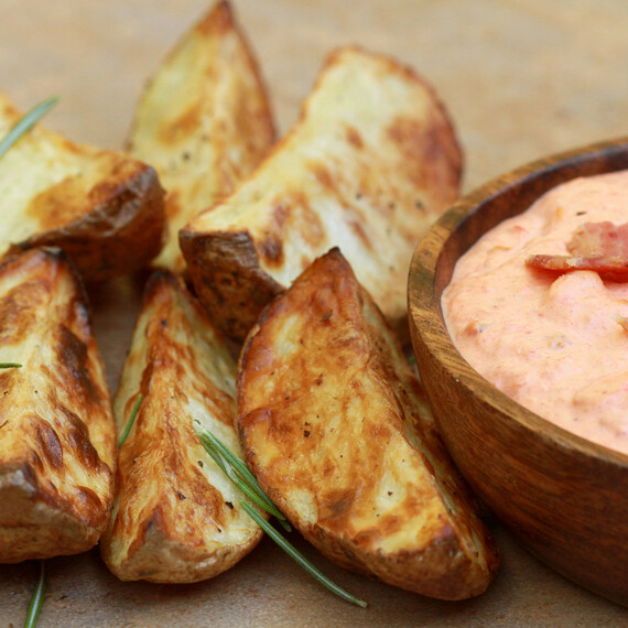 Spicy Roasted Red Peppers & Bacon Dip