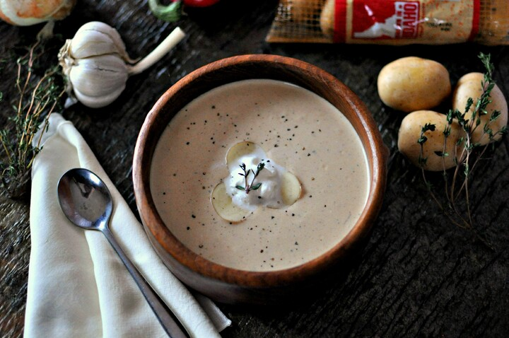 Roasted Garlic and Idaho® Potato Soup