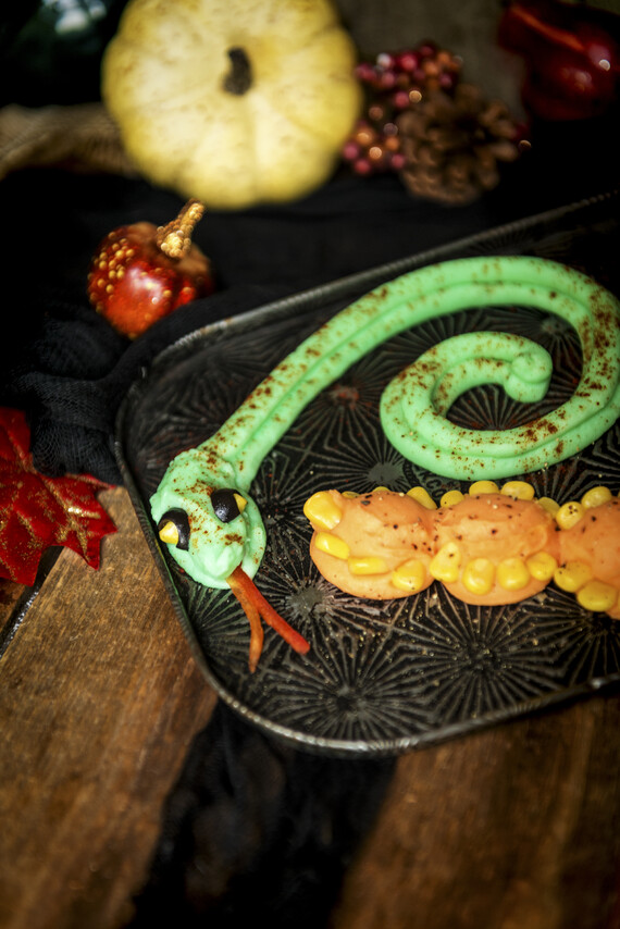 Creepy Idaho® Potato Critters: Green Coiled Snake