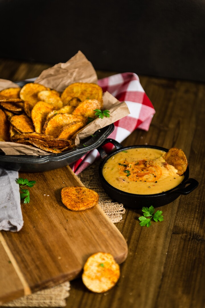 Old Bay Spiced Idaho® Potato Chips and Smokey Beer Cheese Fondue