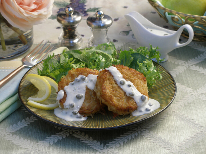 Idaho® Potato Crab Cakes with Caper Lime Sauce