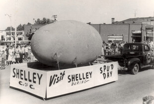 The potato float at Shelly Spud Day in Idaho