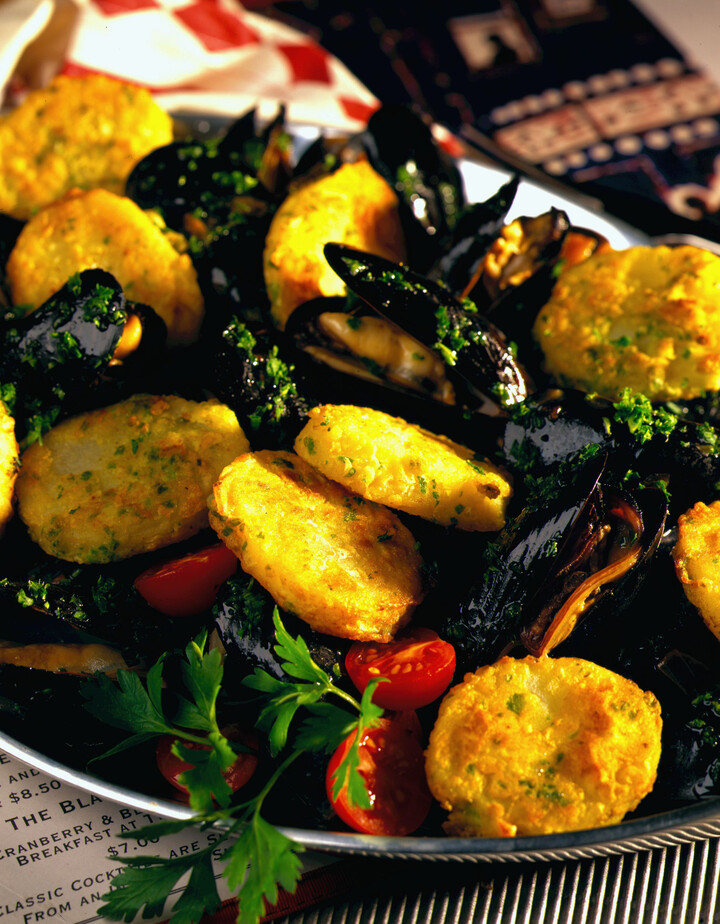 Idaho® Potatoes with Mussels and Parsley