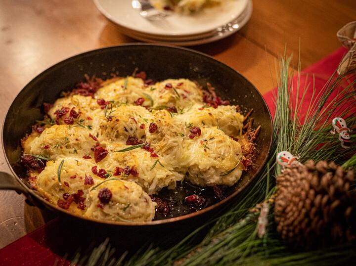Cheesy Cranberry and Brie Idaho® Potato Pull Apart