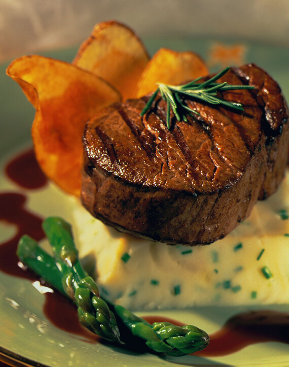 Tenderloin of Beef with Roasted Shallot Idaho® Potatoes and a Merlot Reduction