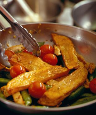 Stir-Fried Chicken and Idaho® Potato Strips