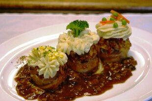 "Meatloaf Cupcakes with Idaho®Potato ""Frosting"" & Wild Mushroom Sauce"